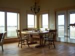 Island Rose dining room